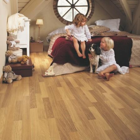 Classic Enhanced Oak Natural Varnished 3 strip