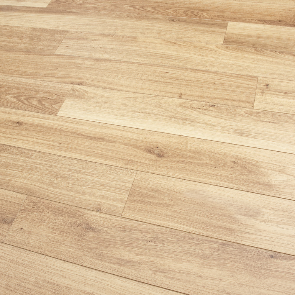 narrow plank oak laminate flooring laminate flooring ideas. Black Bedroom Furniture Sets. Home Design Ideas
