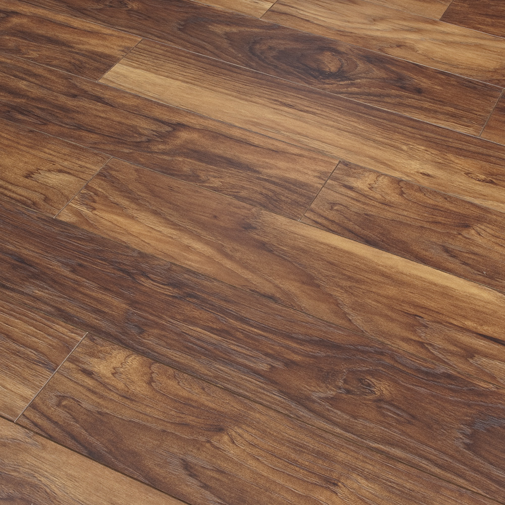 Laminate 8mm hardwearing flooring oak narrow belfast for Laminate flooring dublin