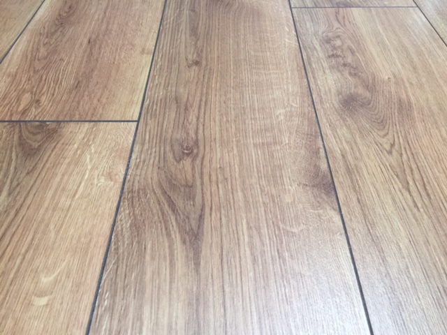Dublin Oak 12mm Laminate Flooring Martin Phillips Carpets